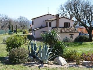 CASA VACANZE IL MONTE - Cartoceto vacation rentals