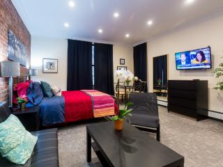 *AURA* Charismatic Studio in Washington Heights - New York City vacation rentals