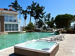Obidos Lagoon Wellness Suites - Obidos vacation rentals