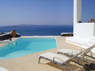 Beautiful villa with privacy and Caldera sea view - Oia vacation rentals