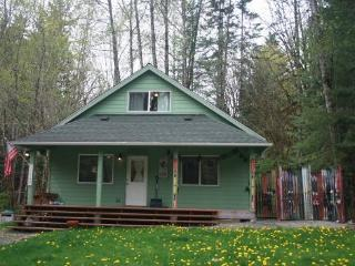 CR102uMapleFalls  - #71 Pet Friendly Cabin in the Mt. Baker Rim Community! - North Cascades Area vacation rentals