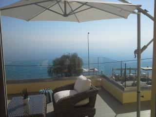 Xylokastro Corinth private suite on the sea B - Xylokastro vacation rentals