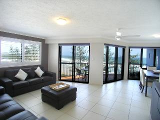Unit 10, The Rocks - Linen included, $500 BOND - Sunshine Coast vacation rentals