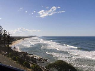 Unit 10, Phoenix Apartments - Linen Included, $500 Bond - Coolum Beach vacation rentals