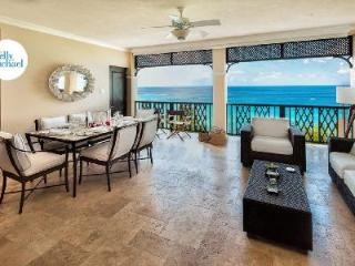 Sandy Cove 302 - Luxury beachfront condo with facilities access, plunge pool & direct beach access - Derricks vacation rentals