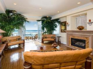 Beachfront Huntington Beach Luxury Villa offers an elevator and gourmet kitchen - Orange County vacation rentals