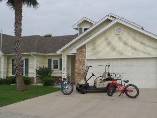 FREE GOLF CART, Close to Beach, In Town, PETS, Beach going bikes incl - Port Aransas vacation rentals