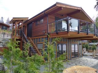 Going Coastal R & R Oceanfront Luxury Accomodation - Port Renfrew vacation rentals