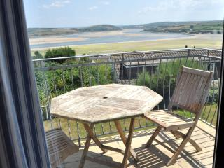 4 bed first fl apt-great views in Padstow Cornwall - Padstow vacation rentals