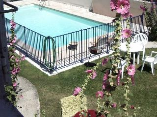 Lovely appartment first flore , garden and swimmin - Angoulins-sur-Mer vacation rentals