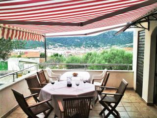 Marchetto House for 8 persons with sea view - Vinisce vacation rentals