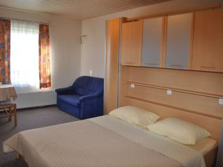 Ying Yang 7 double room with breakfast - Turanj vacation rentals