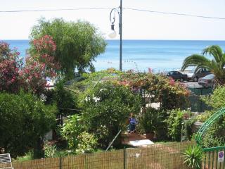 Casa sul mare Capitello (Golfo di Policastro) - Capitello vacation rentals