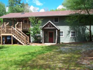 Acclaimed Haven Lodge   442 ft fronts Norton Creek - Cashiers vacation rentals