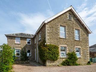 FLAT 1, FRANK LEWIS HOUSE, studio apartment, all ground floor, romantic retreat, walks nearby, in Hay-on-Wye, Ref 916665 - Herefordshire vacation rentals