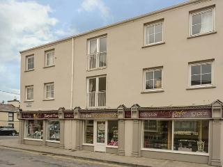 4B AVONDALE, seaside apartment, close beach, village location in Lahinch Ref 922773 - Lahinch vacation rentals