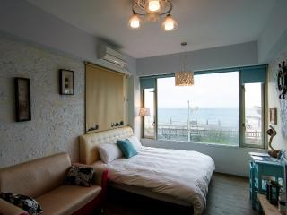 Hualien Downtown Suncity Double room (Ocean view) - Hualien vacation rentals