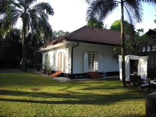 Colonial bungalow with designer interior - Singapore vacation rentals