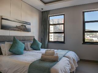 City Classic - vibrant city living - Cape Town vacation rentals