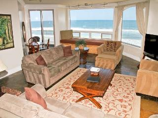 Luxury Oceantfront Condo, 6br/5ba, Spa/Rooftop deck, Large Kitchen P908-3R - Oceanside vacation rentals