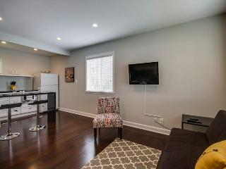 1BR Newly-renovated Studio in 8th Ave South w/Pool, BOOK HERE FOR CMA! - Franklin vacation rentals