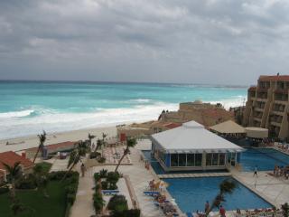 2BR PH W TERRACE ON BEACH C807 - Cancun vacation rentals