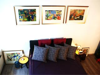 THE KANDINSKY ROOM-Design, Brightness and Cozyness - Cologne vacation rentals