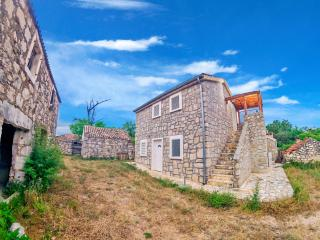 Seaside Stone House Apartment No.2 Drage Dalmatia - Drage vacation rentals