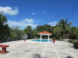 Beautiful Villa -Sleeps 10 MAY SALE, $1,400 X WEEK - Cancun vacation rentals