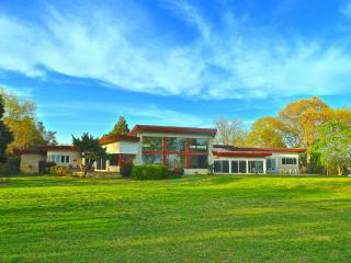 Mid-Century Modern Lakefront Near Bay & Beach! - Virginia vacation rentals