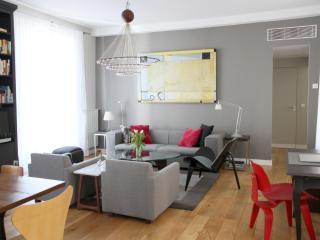 Luxury Apt Le Marais, A/C, highly rated, quiet - Ile-de-France (Paris Region) vacation rentals