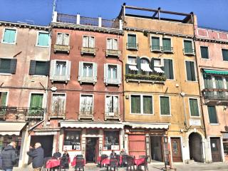 Biennale Apartment - City of Venice vacation rentals