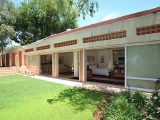 Fifteen On Orange Guest Lodge - the place to be - Johannesburg vacation rentals
