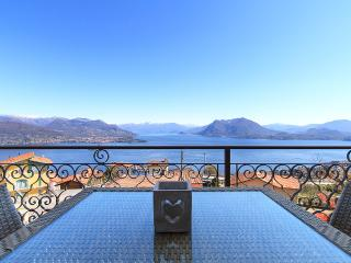 Lake View, Luxury Apartment in Someraro, Stresa E - Stresa vacation rentals