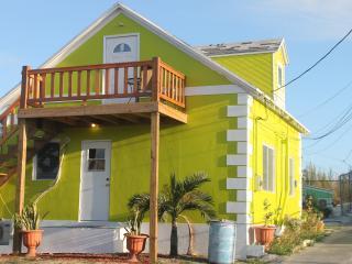 Banana Bungalow - Spanish Wells, Bahamas - Spanish Wells vacation rentals