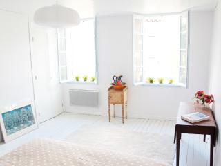 La Maison de Manon - Villefranche-de-Lonchat vacation rentals
