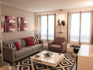 Modern inviting 2BR /2BA in Saint Germain des Près - Ile-de-France (Paris Region) vacation rentals
