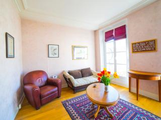 Cosy 35m2 next to Versailles Castle - Versailles vacation rentals
