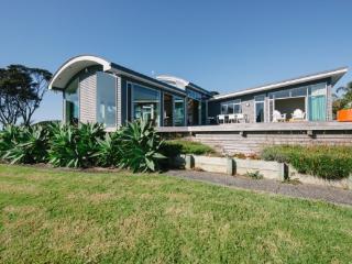 ISLAND HAVEN - Omiha vacation rentals