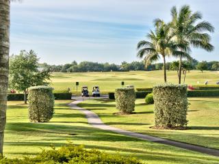 Vicenza Golf Condo - 1st Floor - 2 Bdrm + Den - Naples vacation rentals