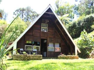 Chalé de Madeira - Visconde de Maua vacation rentals