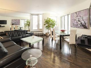 Spacious 2-Br furnished apartment Downtown - 951 - Montreal vacation rentals