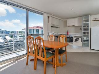 H47 City View One Bedroom Apartment with Balcony in Auckland CBD, NZ - Takanini vacation rentals