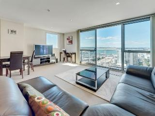 One Bedroom Spacious Apartment with Spectacular Views of Auckland Harbour - Auckland vacation rentals
