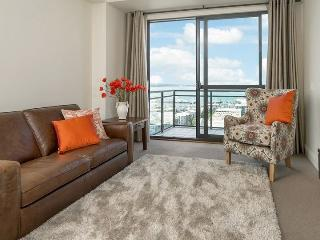 Heritage Towers 12th Floor Apartment with Views over Auckland Harbour. - Auckland vacation rentals