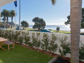 Modern waterfront 2 bedroom apartment in St Heliers opposite the beach - New Zealand vacation rentals