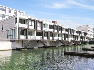 Lighter Quay Auckland 2 Bedroom Ground Floor Serviced Apartment - Auckland vacation rentals