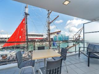 Princes Wharf Shed 22 Auckland Serviced Apartment sleeps 4 - Auckland vacation rentals
