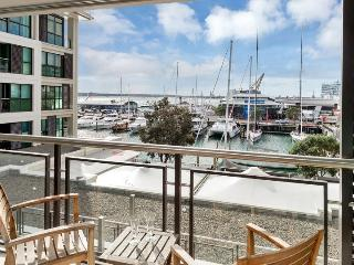 The Quays Large Serviced Apartment,, Auckland Viaduct Harbour with Parking - Auckland vacation rentals