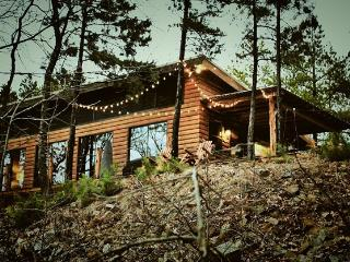 4 BR Mountain Cabin Getaway with Beautiful Views - Octavia vacation rentals